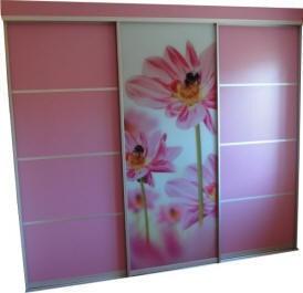 Шкафы-купе и другая мебель с фотопечатью