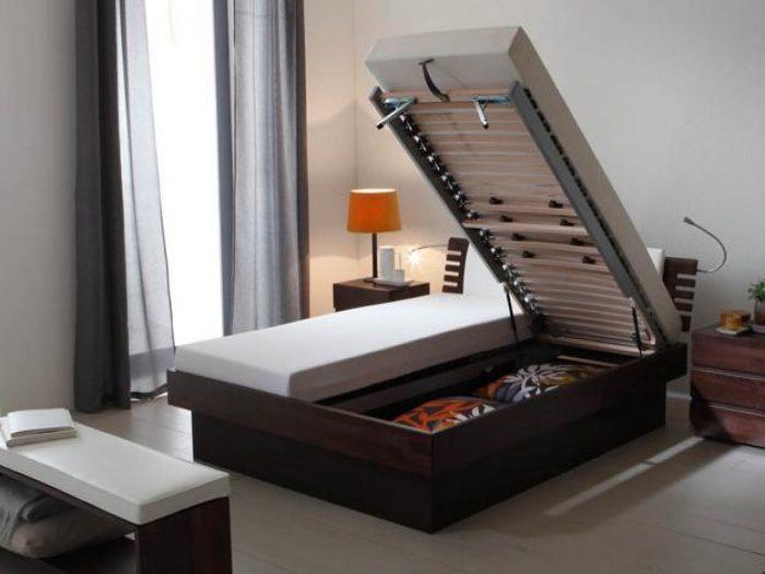 Двуспальная кровать с подьемным механизмом