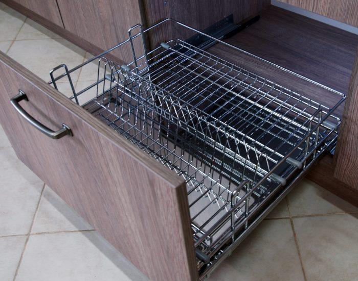 как установить сушилку в шкаф