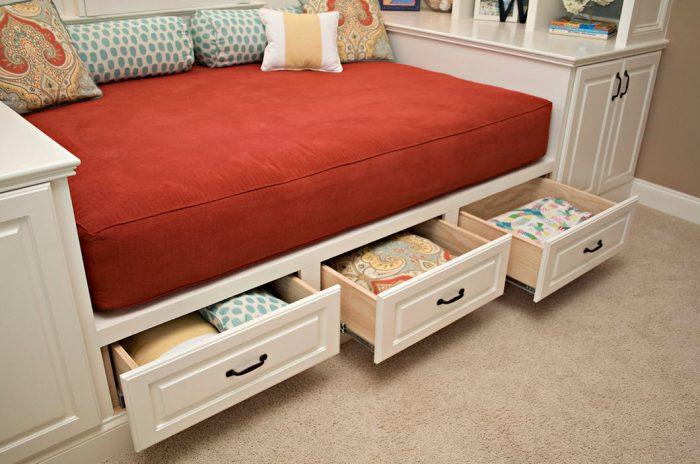 кровать полутровка выдвижные ящики