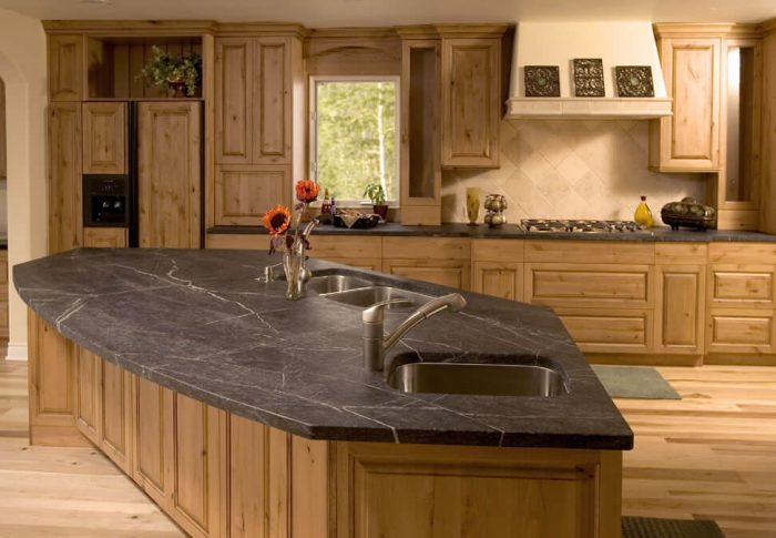 столешница из камня на кухню