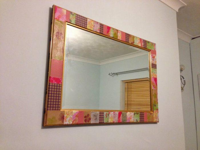 установка зеркала на стену