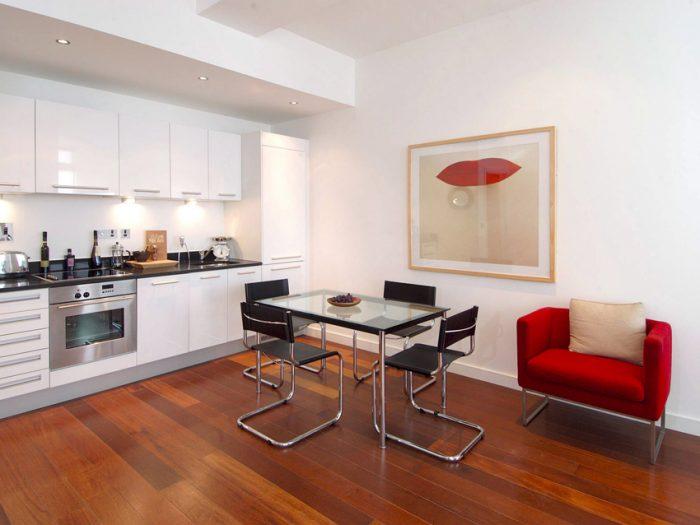 стол на кухню со стеклянной столешницей