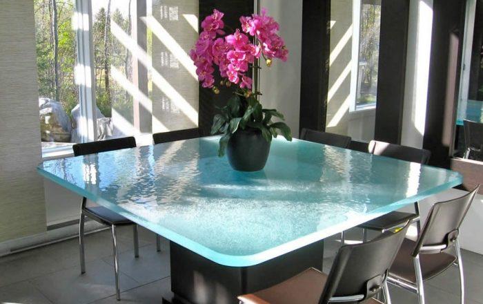 стол со стеклянной столешницей выбрать