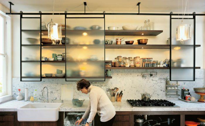 полки открытые на кухне