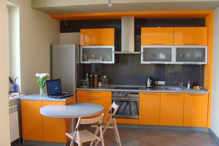 кухня маленькая цвет