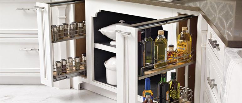 бутылочница-в-кухонном-гарнитуре