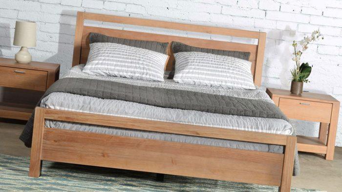 скрип кровати