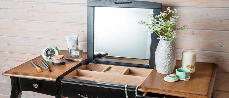 столик-для-макияжа-с-зеркалом