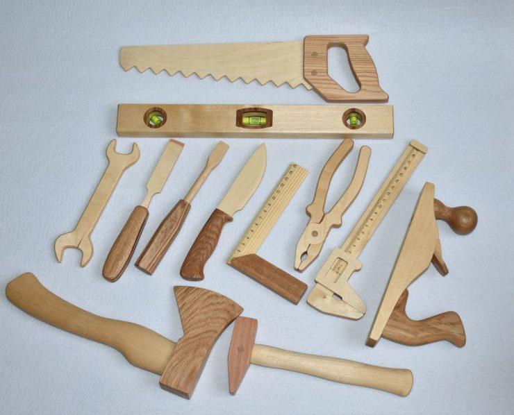 инструменты стол из досок