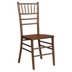 Деревянные стулья — универсальная модель для любого интерьера