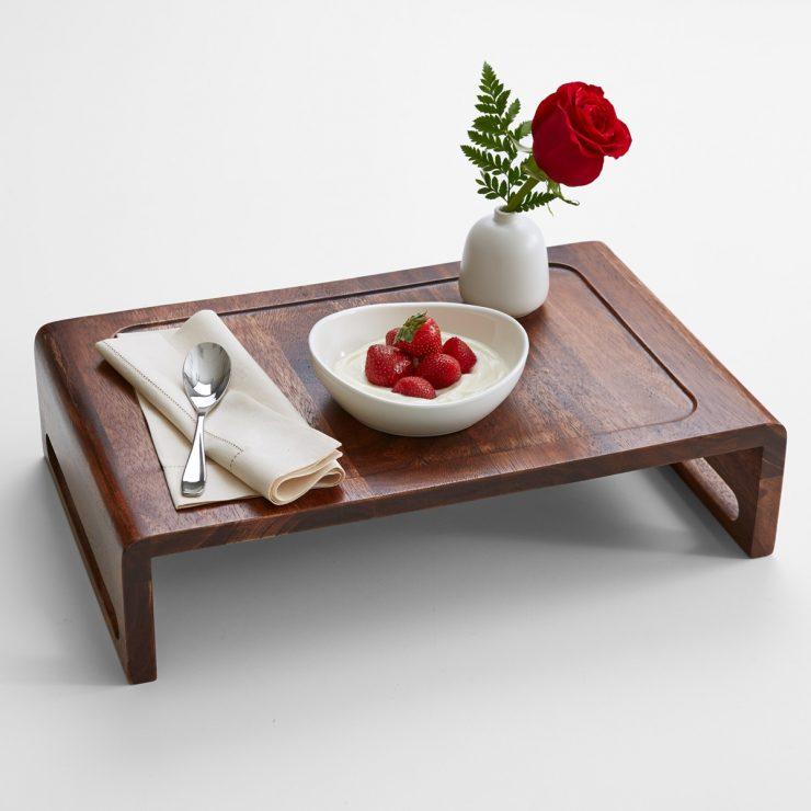 столик под завтрак