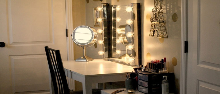 зеркало-для-макияжа-с-подсветкой-своими-руками